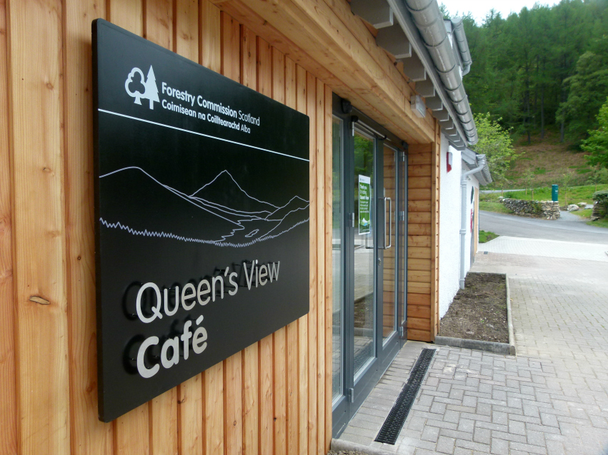 Entrance sign at Queen's View Cafe